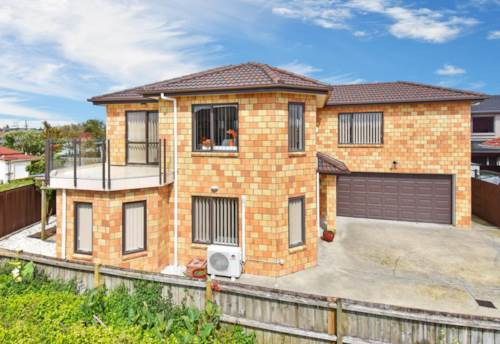 Papatoetoe, Two level family home ready to move in , Property ID: 32002635 | Barfoot & Thompson