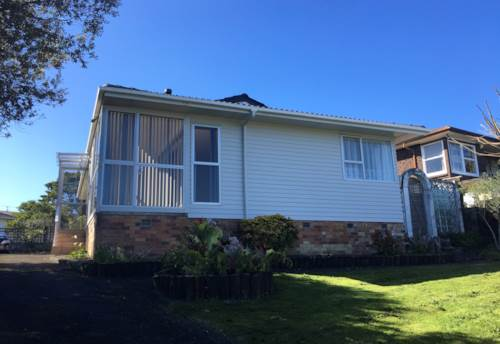 Bucklands Beach, Beautiful Home Zone to Macleans College, Property ID: 32002668 | Barfoot & Thompson