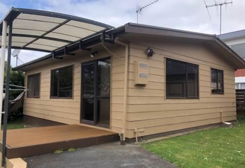 Pakuranga Heights, Perfect Unit in Pakuranga Heights, Property ID: 32002671 | Barfoot & Thompson