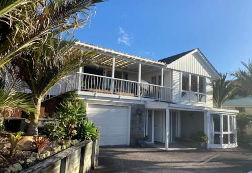 Half Moon Bay, Sunkissed on Sunderlands, Property ID: 17002557 | Barfoot & Thompson