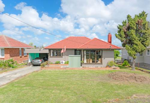 Te Atatu South, Feel Right at Home in Roberts Rd., Property ID: 33000282 | Barfoot & Thompson