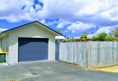 Massey, Refreshed 3 Bedroom Home with Garage, Property ID: 33000283 | Barfoot & Thompson