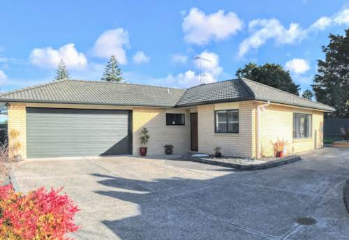 Te Atatu South, BRICK & TILE BEAUTY, DON'T MISS OUT, Property ID: 33000311   Barfoot & Thompson
