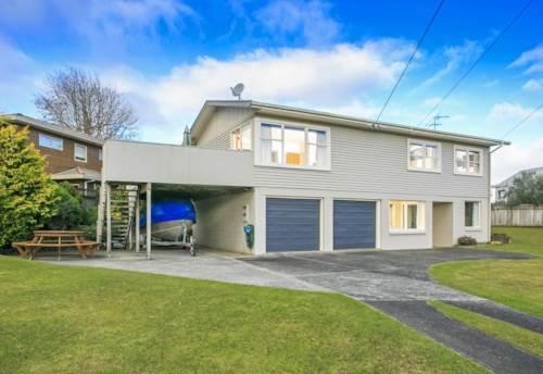Glenfield, Beautiful Big Home on Hogans, Property ID: 33000313 | Barfoot & Thompson