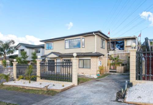 Massey, Brick and Tile with so many features, Property ID: 33000326 | Barfoot & Thompson
