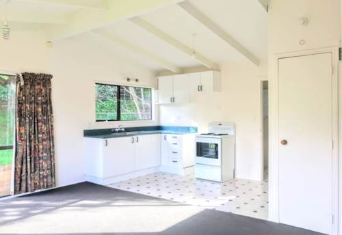 Massey, SUNNY 2 BEDROOM WAITING FOR YOU, Property ID: 33000342   Barfoot & Thompson