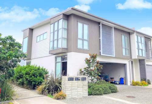 Hobsonville, NEAR NEW EXECUTIVE HOME IN HOBSONVILLE POINT, Property ID: 33000345 | Barfoot & Thompson