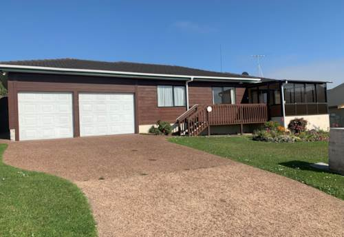 Stanmore Bay, Short walk to the beach , Property ID: 33000409 | Barfoot & Thompson