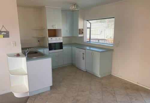 Stanmore Bay, Short walk to the beach , Property ID: 33000409   Barfoot & Thompson
