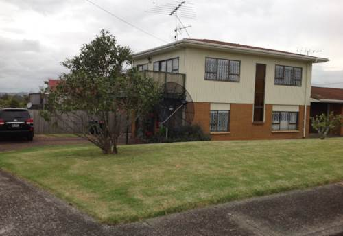 Mt Wellington, Spacious Family Home in Waipuna Road!!!, Property ID: 34001036 | Barfoot & Thompson