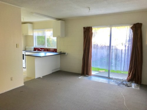 Sunnyhills, New renovated bedroom Unit in Paakuraga, Property ID: 34001515 | Barfoot & Thompson