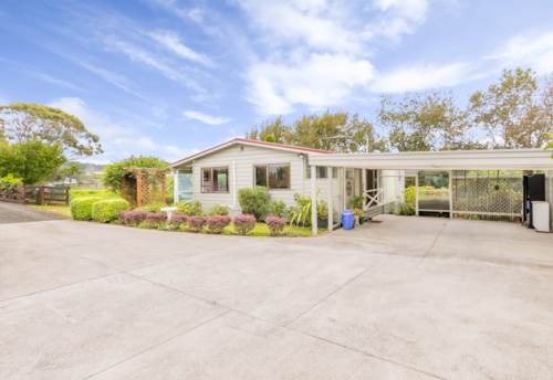 Kumeu, Cute Cottage in Kumeu , Property ID: 34004756 | Barfoot & Thompson