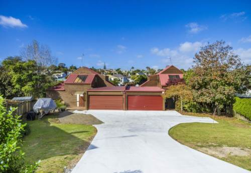 Windsor Park, Tidy Home in Mairangi Bay!!!, Property ID: 34004776 | Barfoot & Thompson