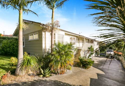 Glendowie, Big family house on Riddell Rd, Property ID: 34005851 | Barfoot & Thompson