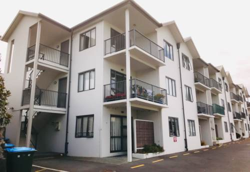 Mt Wellington, Modern Apartment in Central Location, Property ID: 34005888 | Barfoot & Thompson