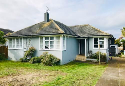 Glen Innes, Tidy Family Home in Glen Innes, Property ID: 34005908 | Barfoot & Thompson