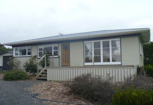 Karaka, Karaka Cottage, Property ID: 35000307 | Barfoot & Thompson