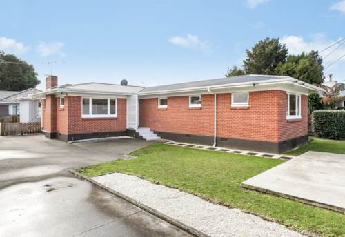 Papakura, An Exceptional Home - Come See!, Property ID: 35001297   Barfoot & Thompson