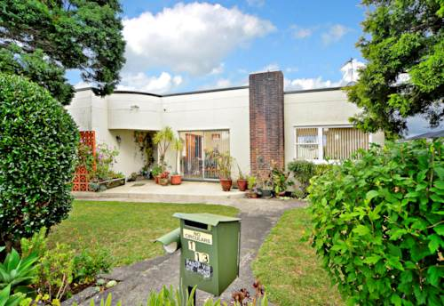 Papakura, Renovated in Coles Cres, Property ID: 35001342 | Barfoot & Thompson