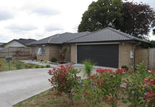 Papakura, Parkhaven Drive - Furnished, Property ID: 35001460 | Barfoot & Thompson