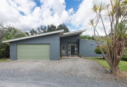 Ardmore, Creightons Rd - Short Term Rental, Property ID: 35001527 | Barfoot & Thompson