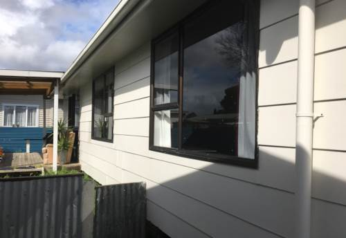 Papakura, Sure on Settlement!, Property ID: 35001585 | Barfoot & Thompson