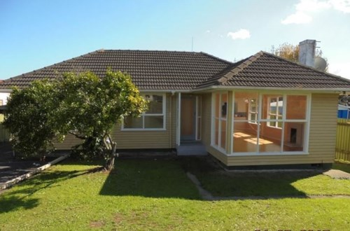 Otara, Easy Commute at East Tamaki!, Property ID: 35002702 | Barfoot & Thompson