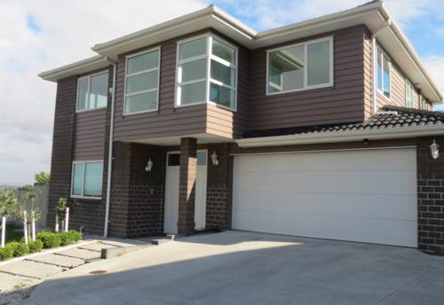 Papakura, Super size with a super view!, Property ID: 35003754 | Barfoot & Thompson