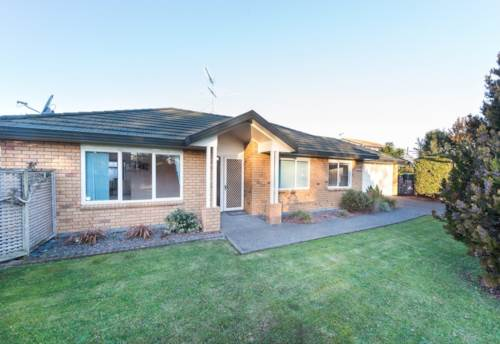 Papakura, You will love Laurie!, Property ID: 35003797 | Barfoot & Thompson