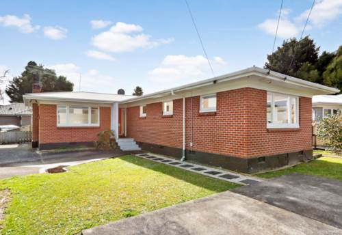 Papakura, An Exceptional Home - Come See!, Property ID: 35003805 | Barfoot & Thompson