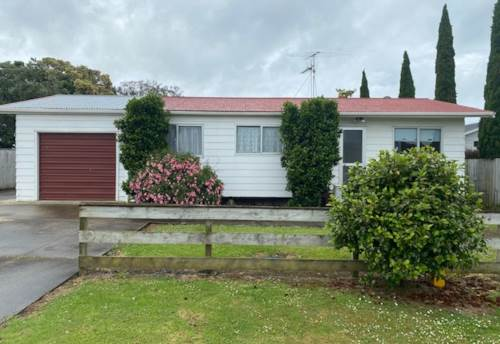 Clarks Beach, Be in for the summertime, Property ID: 35003879   Barfoot & Thompson