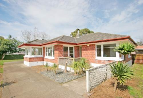 Manurewa, 3 Bedroom Beauty in Manurewa - Full Section with Double Garage, Property ID: 36001819 | Barfoot & Thompson