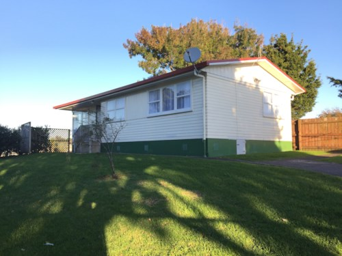 Mangere, 3 BEDROOM FAMILY HOME , Property ID: 36001966 | Barfoot & Thompson