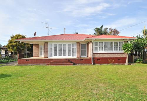 Papakura, 3 Bedroom, Sleepout, Brick House, Full Section, Garage...., Property ID: 36002213 | Barfoot & Thompson