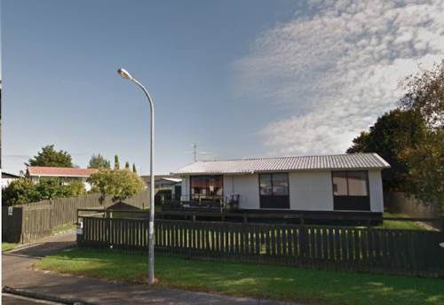 Papakura, Three bedroom house with single garage, Property ID: 36002231 | Barfoot & Thompson