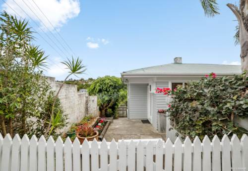 Browns Bay, Cosy family home, Property ID: 811470 | Barfoot & Thompson
