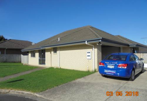 Papakura, 3 Bedroom Family Home, Double Internal Garage, Master Ensuite, Property ID: 36002410 | Barfoot & Thompson