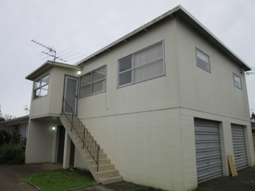 Papatoetoe, 2 bedroom and a great location, Property ID: 36002464 | Barfoot & Thompson