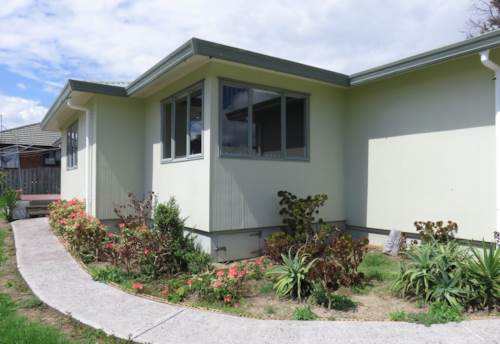 Manurewa, 3 Bedroom Family Home - Quiet Location!, Property ID: 36002656 | Barfoot & Thompson