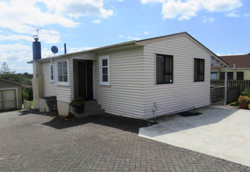 Papatoetoe, Spacious 3 Bedroom Home , Property ID: 36002666 | Barfoot & Thompson