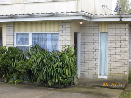 Otahuhu, 1 bedroom unit including water and Lawns, Property ID: 36002686 | Barfoot & Thompson