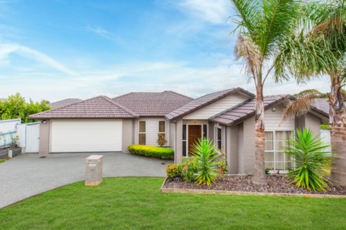 Flat Bush, 4 bedroom beauty waiting to be called home!, Property ID: 36002731 | Barfoot & Thompson