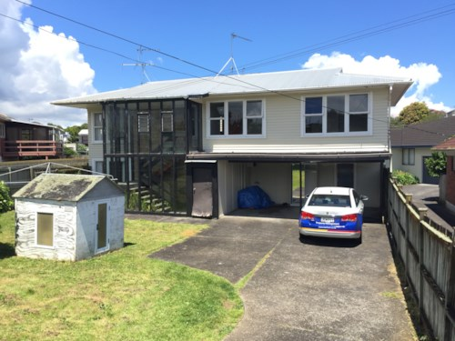Mt Roskill, 3 Bedroom Property in Great Location, Property ID: 36002800 | Barfoot & Thompson