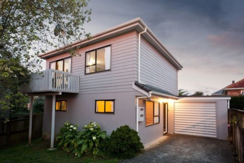 Meadowbank, 3 Bedroom House in Meadowbank (5 mins to train station), Property ID: 36002814 | Barfoot & Thompson
