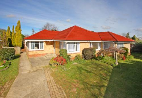 Papatoetoe, Excellent 3 bedroom house within Central School Zone, Property ID: 36002830   Barfoot & Thompson