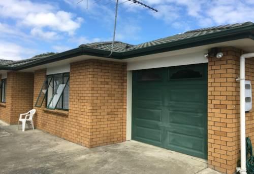 Otahuhu, Nice 3 bedroom family home with 2 bathrooms, Property ID: 36002892 | Barfoot & Thompson