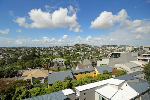 Newmarket, Newly Renovated Apartment - Stunning Views w Car Park, Property ID: 36002969 | Barfoot & Thompson
