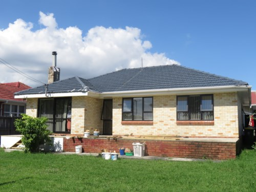 Papatoetoe, 3 Bedroom Papatoetoe Family Home - right opposite to Kedgley Intermediate  , Property ID: 36002981 | Barfoot & Thompson