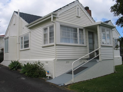 Manurewa, 1 Bedroom Unit with easy access to public transport, Property ID: 36003020 | Barfoot & Thompson