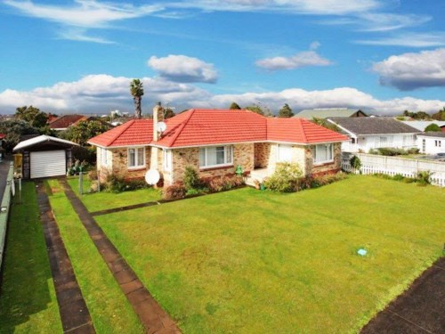 Papatoetoe, 3-Bedroom Property in a Great Location, Property ID: 36003023 | Barfoot & Thompson